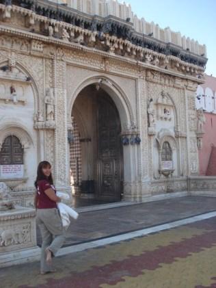 Estado da meia e do pé na saída do templo