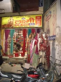 Cidade antiga - loja de roupas