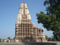 Dedicado a Shiva com as figuras ornamentais mais impressionantes de todos