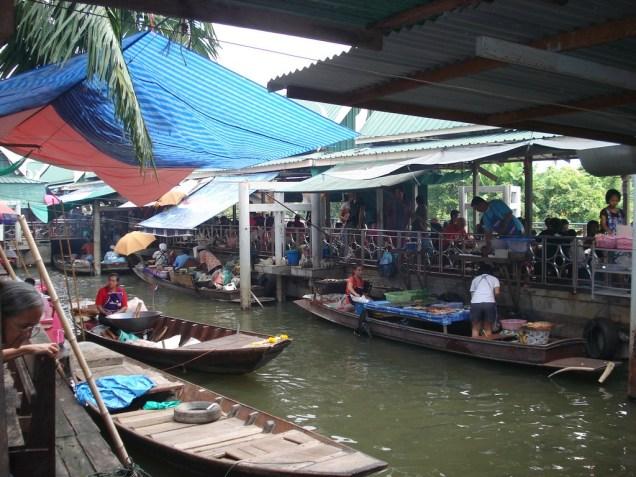 Mercado flutuante de Taling Chang