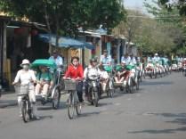 Assim é Hoi An: quem não quer andar contrata um riquixá movido a vietnamita