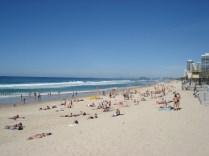 Mais praia e mais gente