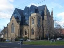 Cairns Memorial Presbyterian Church que foi convertida em prédio de apartamentos depois que pegou fogo
