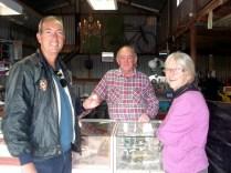 Carlos, Camille e Andy Jenkins o contador de estórias e que nos deu a moeda com o nosso ano de nascimento