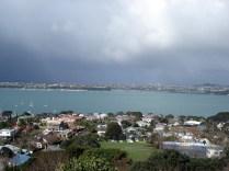Vista do Mt. Victoria que é um cone vulcânico e de onde se tem uma vista de Devonport e do centro de Auckland