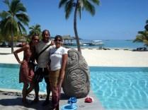 Invadindo a piscina do hotel com a Denise e o Olivier