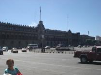 O Palácio Nacional, é a sede do Poder Executivo federal do México, estando localizado na Praça da Constituição (o Zócalo), num terreno com 40 000 m²