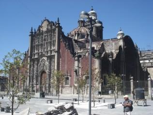 A Igreja de Santo Domingo é uma igreja barroca do século XVIII e é tudo o que resta do que foi o mosteiro importante da Ordem de S. Domingos