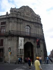 De quase o início do período colonial até a Guerra da Independência do México, este lugar foi sede da Inquisição na colônia da Nova Espanha