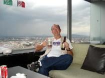 Dica da Alejandra: vá até o Mirador e aproveite uma cerveja enquanto aprecia a paisagem