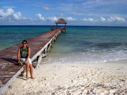 Praia tranquila, mar turquesa, difícil de chegar e linda