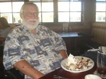 Pete com a outra sobremesa enorme