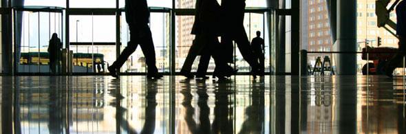 People-walking-floor-reflection_web_jpg