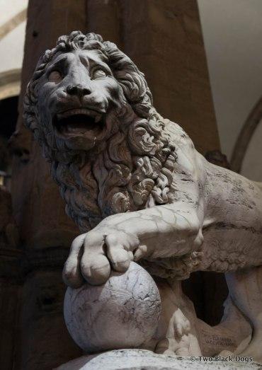 Loggia Lion