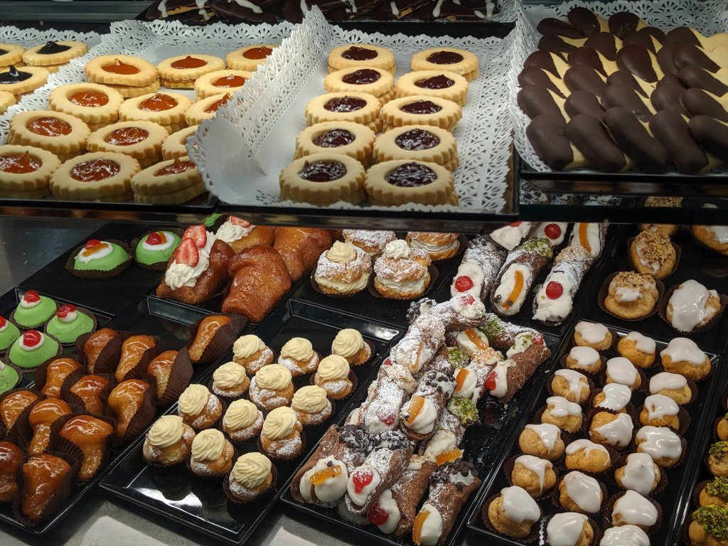 Many different types of cookies