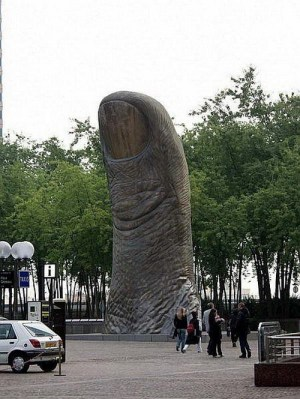 thumb statue.jpg