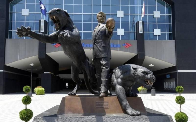 jeery statue