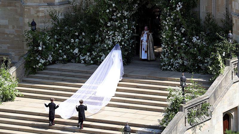 800-meghanmarkle-weddingdress-getty