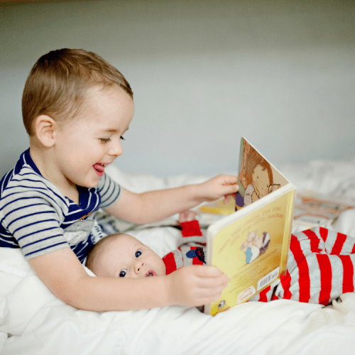 5 Simple Tips to Prepare Older Siblings for Twins....and What to Expect!