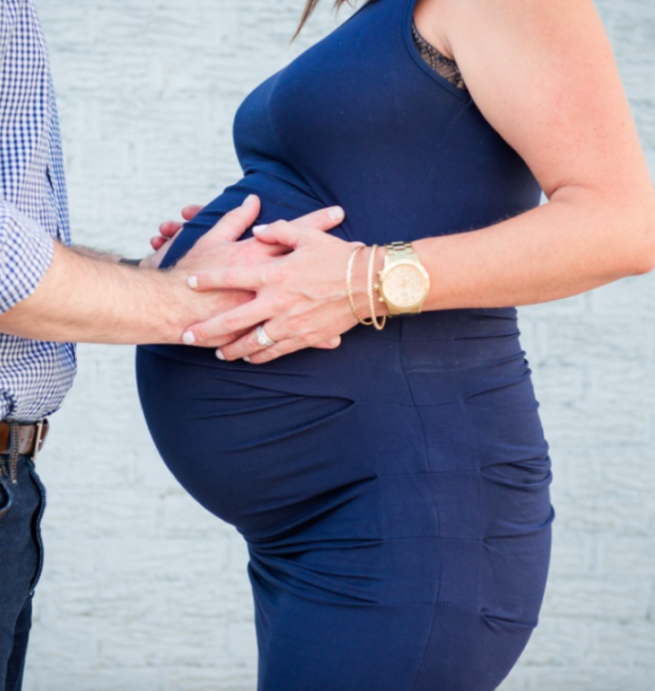 Honey I Blew Up My Belly: Week by Week Pregnant Twin Belly