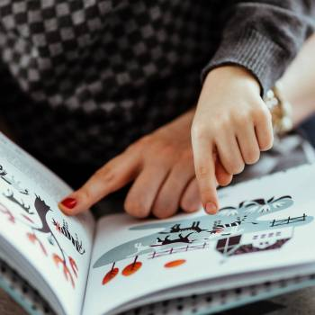 Read it again! 4 simple tips for reading (and rereading!) with a toddler