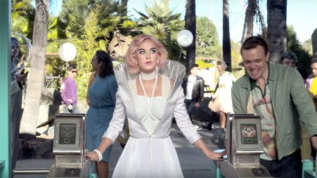 katy_perry_chained_to_the_rhythm_h_2017