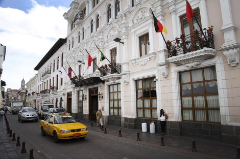 An exterior view of the Hotel Plaza Grande