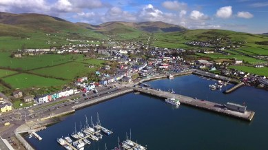 And then, on to a beautiful day in the beautiful little seaside town of Dingle! And we immediately fell in love. Isn't this awesome?