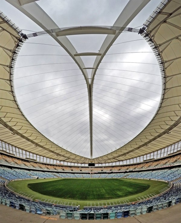 Yep. We're jumping off this thing! It's time to take a ride on the world's tallest swing at Moses Mabhida stadium with B!G RUSH!