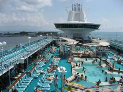 51e39f58799a24e8972750bd13ca363b--majesty-of-the-sea-cruise-ships