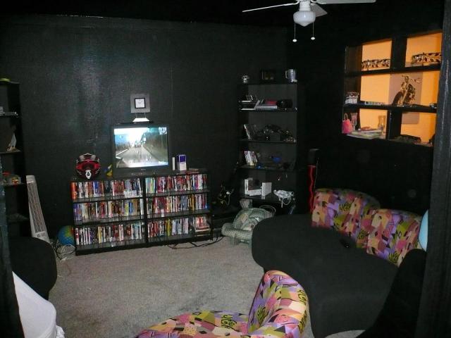 black accent chair bedroom crushed velvet walls | twoinspiredesign