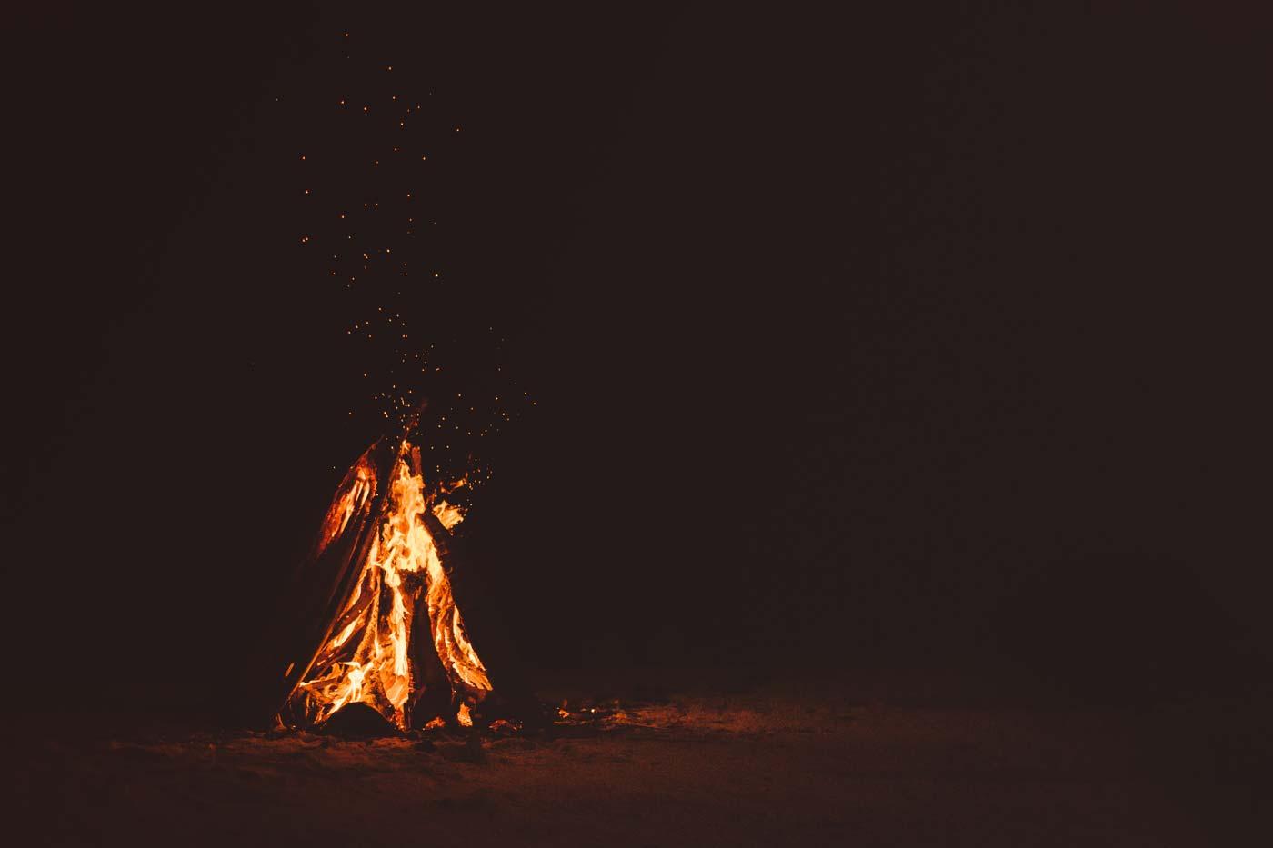Atmosfera przy ognisku to również hygge