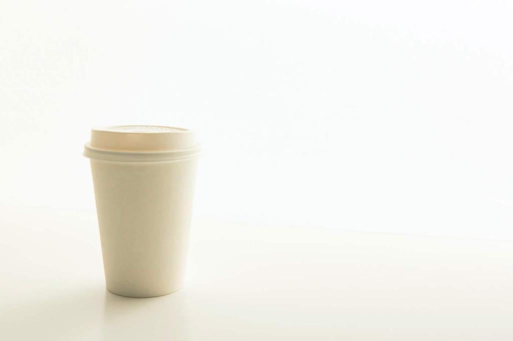 Kubek po kawie nie zawsze nadaje się do ponownego przetworzenia.