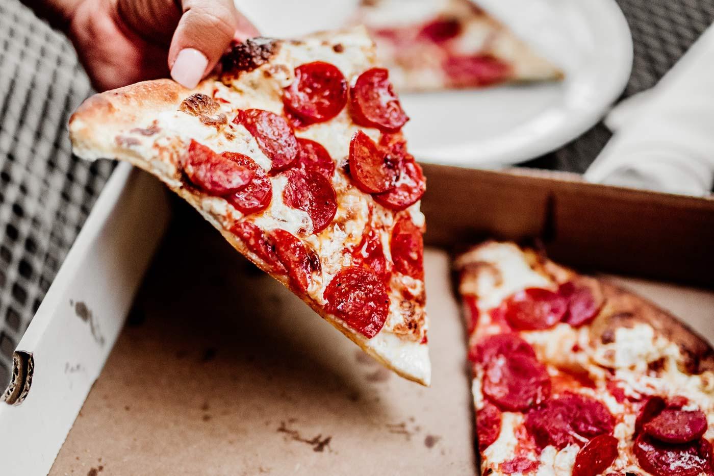 Recykling tłustego opakowania po pizzy jest niemożliwy