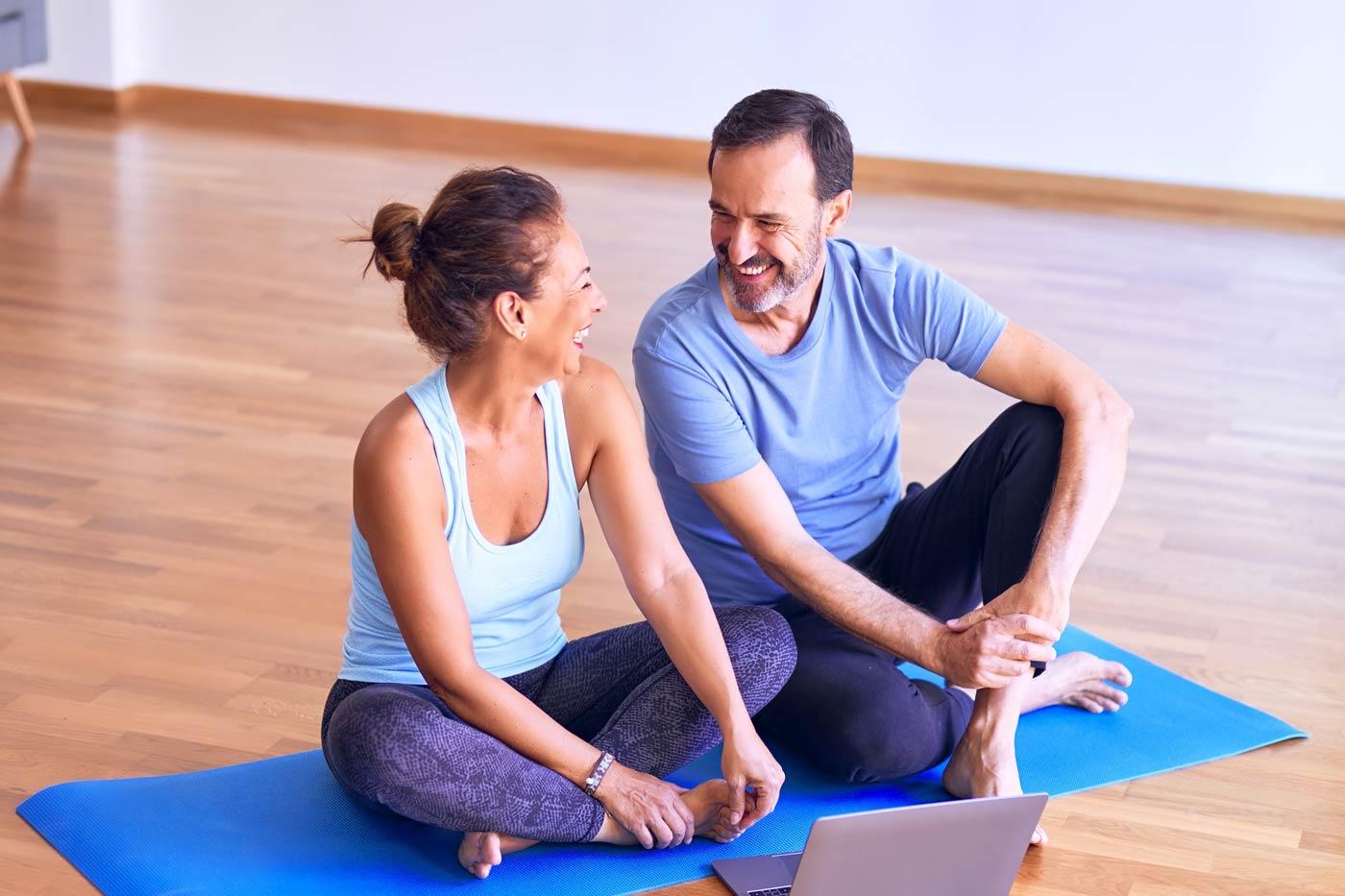 Co można robić w weekend? Na przykład wspólnie ćwiczyć jogę