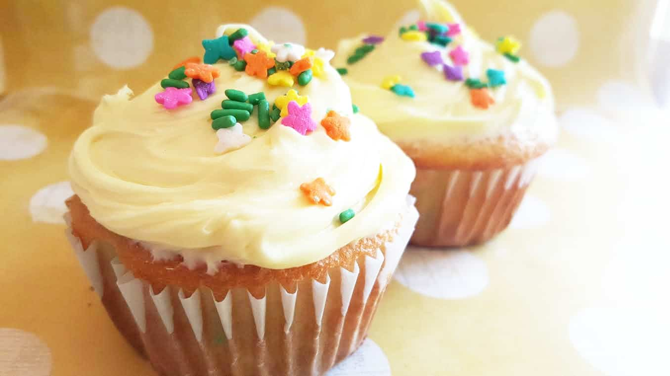 how to make moist cupcakes from a box