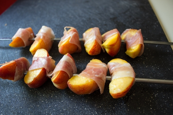 Grilled Peach and Prosciutto Appetizers