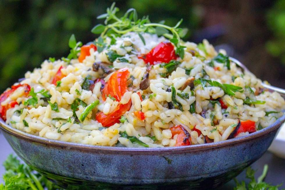 Lemon Risotto with Grilled Vegetables (Instant Pot). Creamy, lemony, cheesy risotto loaded with spinach and vegetables, ready in 30 minutes