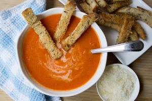 Creamy Tomato Soup with Cheese Croutons