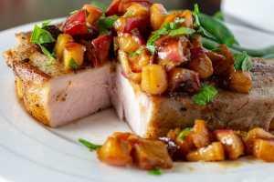 Sous Vide Pork Chops With Apple Chutney