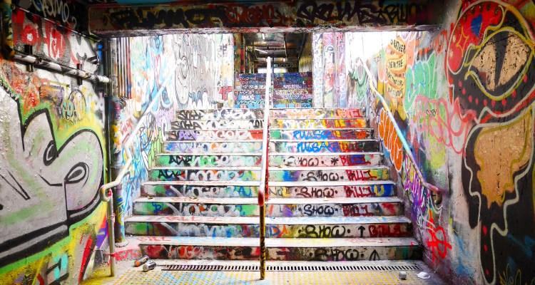 tunel w grafitti