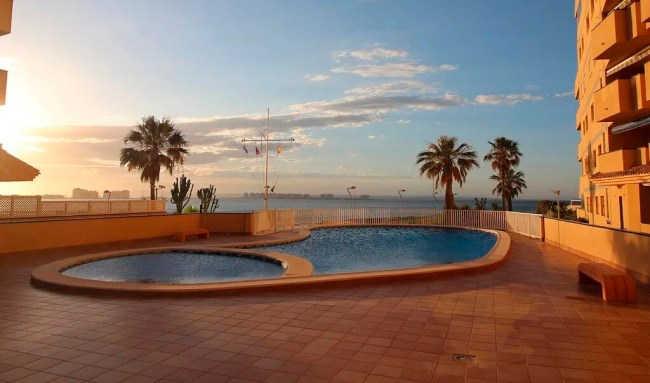 Here's how to get a house on the Spanish coast for € 2 and why you can count on it