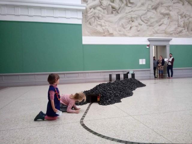 wachten-op-de-trein Kunstendag voor Kinderen: Museum voor Schone Kunsten in Gent