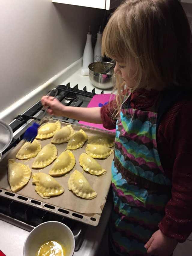 empanadas-maken Aan tafel: samen koken met je kind