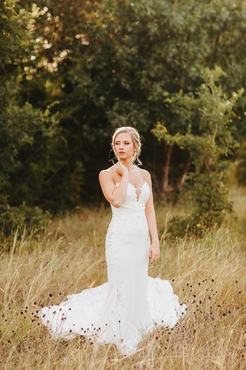 Austin Bridal photography field nature golden hour sun ashley haddock addison grove bride