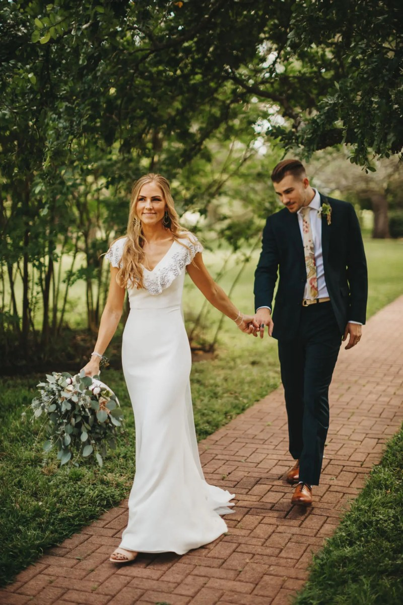 Best wedding vendor guide of Texas Dress Anomalie