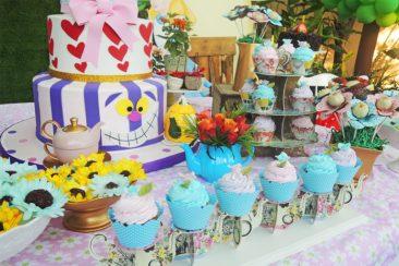 Alice-Birthday-Party-19-768x512