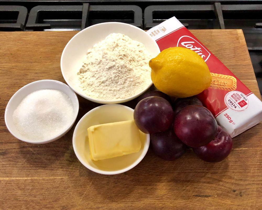 ingredients plum crumble