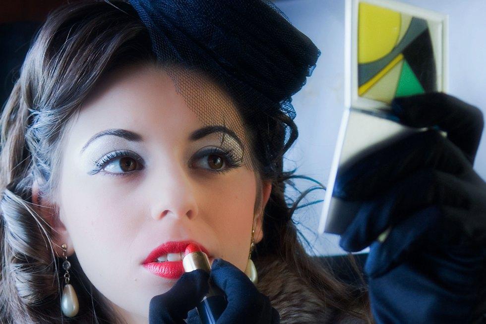 Certified Vintage Make Up Course