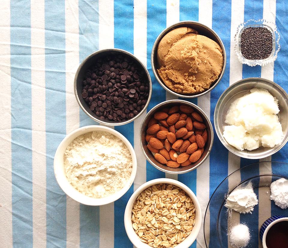 chocolate chip almond oatmeal cookies 1